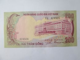 South Vietnam 200 Dong 1972 AUNC Banknote - Vietnam