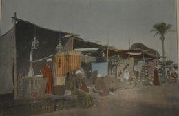 La Mer Rouge. Souakim. Le Bazar Arabe.. Photogravure Fin XIXe. - Prints & Engravings