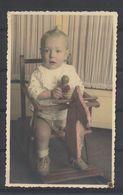 Bébé Avec Son Jouet Dans Son Cheval En Bois -baby With His Toys In His Wooden Horse Carte Photo Originale - Personas Anónimos