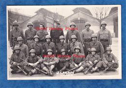 Photo Ancienne - LIMOGES - Caserne Beaublanc - 1948 - Portrait De Soldat & Officier - Casque Uniforme Fusil - J. Lacan - Guerra, Militares