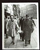 Photo - 8 Cm X 6 Cm - Marcheur & Marcheuse De Rue - Couple - Street Photography - Voir Scan - Personas Anónimos