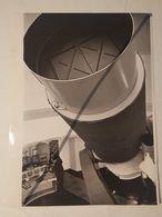 Photo Vintage Par V. Gailis. Original. Observatoire. Télescope Spatial. L'URSS. Lettonie - Profesiones