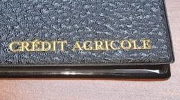 Lot De 2 PORTE DOCUMENTS , Pochette Rigide Plastique - Publicité CREDIT AGRICOLE - 23x17 Cm Environ-Bon état-année 1960 - Advertising