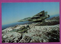 Patrouille De Deux Mirage 2000  C  RDI De L'Escadron De Chasse 2/5 Ile De France Survolant Le Massif Central - 1946-....: Modern Tijdperk