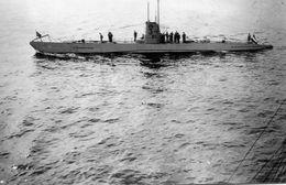 Photo D'un U-BOAT Allemand Avec Leurs équipage Sur Le Pont En 39-45 - Guerre, Militaire