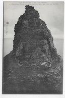 CAP FREHEL - N° 137 - ROCHER DE LA FAUCONNIERE BATTU SANS CESSE PAR LES FLOTS - CPA NON VOYAGEE - Cap Frehel