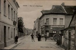 76-OISSEL...RUE DE LA REPUBLIQUE...CPA ANIMEE - France