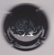 Capsule Mousseux ( 1821 + Lion Métal Fond Noir : à Identifier ) {S28-20} - Placas De Cava