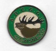 Pin's  Département, Chasse, A . D . C . G . G  AISNE  Avec   Animal  CHEVREUIL  ( 02 ) - Associations