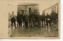 2138. CPA PHOTO 54 GROSROUVRES. MILITAIRES WW1. GROUPE AVEC CHEVAUX ET CASQUES - Francia