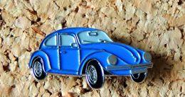 Pin's WOLKSWAGEN VW Coccinelle Bleue Peint Cloisonné Fabricant Inconnu - Volkswagen