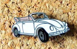 Pin's WOLKSWAGEN VW Coccinelle Cabriolet émaillé Fabricant DEMONS & MERVEILLES - Volkswagen