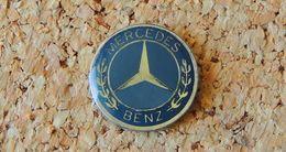 Pin's MERCEDES BENZ Logo Diamètre 20mm Verni époxy Fabricant MJ DIFFUSION - Mercedes
