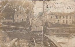 MERY SUR OISE CARTE PHOTO TRES RARE TRES MAUVAIS ETAT PONT DETRUIT 21/09/1914 - Mery Sur Oise