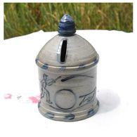 Tirelire A Casser Maisonnette Ronde En Gres - Ceramica & Terraglie