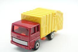 Matchbox Lesney MB36D Refuse Truck Issued 1980 - Matchbox