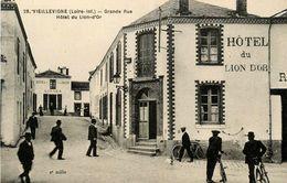 Vieillevigne * Grande Rue * Hôtel Du Lion D'or * Hôtel Du Dé D'argent GARNIER - France