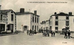 Vieillevigne * Place De L'église Et Grande Rue * Café De La Place * Hôtel Du Commerce HERVOUET - France