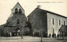 St Symphorien * Place De L'église Et La Mairie - France