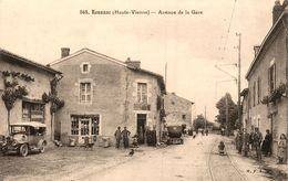 Roussac * Avenue De La Gare * Débit De Tabac * Ligne Chemin De Fer Tramway Tram * Autos - Francia