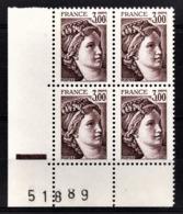 FRANCE  1977 A 1981 - BLOC DE 4 TP /  Y.T. N° 1979 - NEUFS** / COIN DE FEUILLE - Ungebraucht