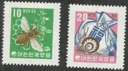 KOREA - BEE; SNAIL; MONEY BAG - Korea, South
