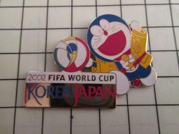 415c Pin's Pins / Beau Et Rare / THEME : SPORTS / FOOTBALL WORLD CUP FIFA 2002 KOREA JAPAN Pitoyable Prestation Français - Football