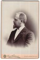 Fotografie Carl Pietzner, Wien, Portrait Stattlicher Herr Im Eleganten Anzug Mit Bart - Anonymous Persons