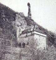 48 - LOZERE - LES GORGES DU TARN - Château De Rocheblave Surmonté D'une érection Rocheuse Cheval Charrette Chariot - Castles