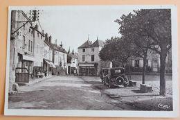 Is Sur Tille - Place Wilson Coté De La Place Et Café Du Commerce - 1940 - Is Sur Tille