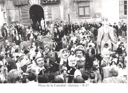 ES GERONA - Plaza De La Catedral - Gegants Nans - Animée - Belle - Carnevale