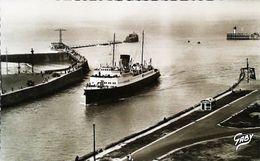 """Cpsm - Bateau PAQUEBOT   """"Le LONDRES """"    ( Cruiser Ocean Steam Ship )  -   Dieppe Port - Dieppe"""