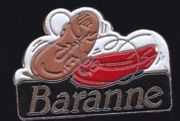 65876-Pin's.Cirage. Baranne .chaussures - Marcas Registradas