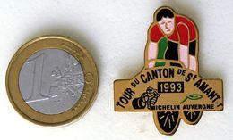 Pin's MICHELIN Course Cycliste TOUR DU CANTON 1993 Fabricant Inconnu - Autres