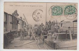 CPA Denain - Les Cafus Chargeant Un Bateau (très Belle Scène) - Denain