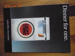 Carte Postale Publicitaire Allemand (Taschen 1996) 16,3 X 11,4 Cm - Lucky Strike. Sonst Nichts. Dinner 1995 - Objets Publicitaires
