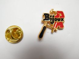 Beau Pin's , Bijoux ?? Bijouterie - Pin's