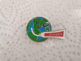 PINS  Colgate Globe Mappemonde  Dentifrice Colgate / 33NAT - Parfum