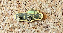 Pin's MERCEDES 300SL Grise Verni époxy Fabricant Inconnu - Mercedes