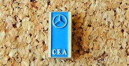 Pin's MERCEDES Mini Logo CEA Bleu 17 X 8 Mm Peint Cloisonné Fabricant Inconnu - Mercedes