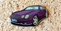 Pin's MERCEDES SCL 600 Violette Verni époxy Série Fabrication Pour MERCEDES - Mercedes