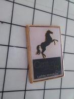 415c Pin's Pins / Beau Et Rare / THEME : ANIMAUX / CHEVAL NOIR CABRE LAFFITTE IMMOBILIER CENTURY - Animaux