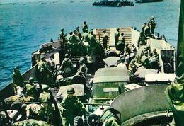 CARTE POSTALE 10CM/15CM PHOTO COULEUR CHEVOJON 5  OMAHA BEACH  LE 06 JUIN 1944  PENICHE DE DEBARQUEMENT NORMANDIE FRANCE - Oorlog 1939-45