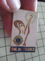 415c Pin's Pins / Beau Et Rare / THEME : ASSOCIATIONS / Très Grand Pin's De Prestige LION'S CLUB COQ DM 103 FRANCE - Associations