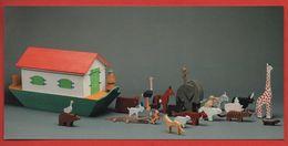 -767-  MUSEE DU JOUET DE POISSY - ARCHE DE NOE : JOUET EN BOIS  * ELEPHANT GIRAFE ZEBRE * - CARTE MARQUE PAGE - Marque-Pages