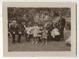 PHOTO ANCIENNE Groupe Famille Jardin Vers 1900 Fête Célébration Réunion De Famille Costume Enfant Mode Photographie - Personnes Anonymes