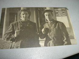 FOTOGRAFIA RAFFIGURANTE DUE SOLDATI 1944 PALLANZA - Guerre, Militaire