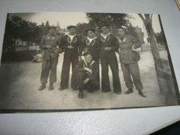 CARTOLINA FOTOGRAFICA RAFFIGURANTE DEI MARINAI PALLANZA 1944 - Guerre, Militaire