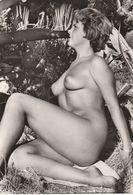 PHOTO (15x10.5 Cm) FEMME AUX SEINS NUS CLICHÉ EVE ILE DU LEVANT (83) - Photos