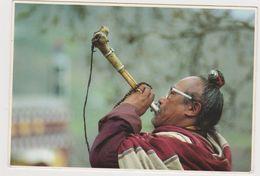 Tibet Le Ngapa Chasse Les Nuages - Tíbet